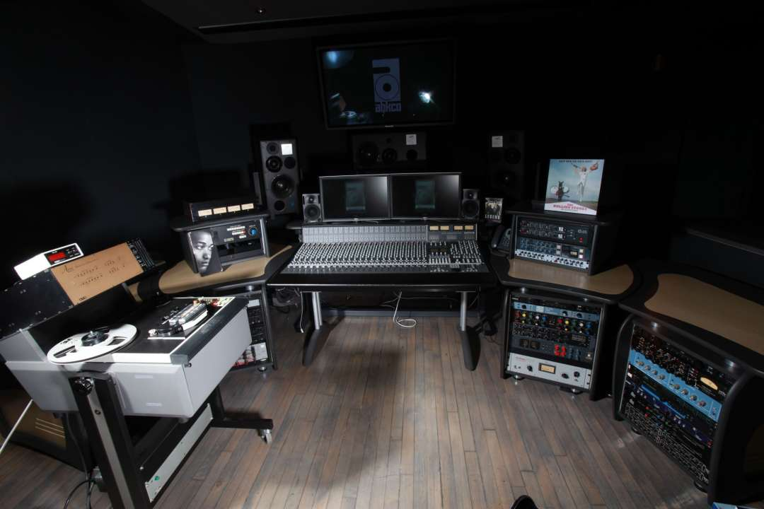 abkco-studio-wide-shot-2