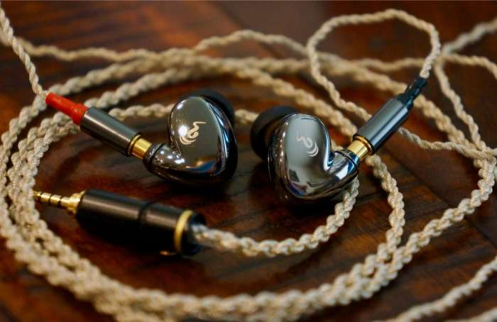 Cupid Planar entry-level earphones from oBravo