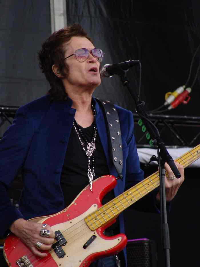 Glenn Hughes: Eight Years in a Box