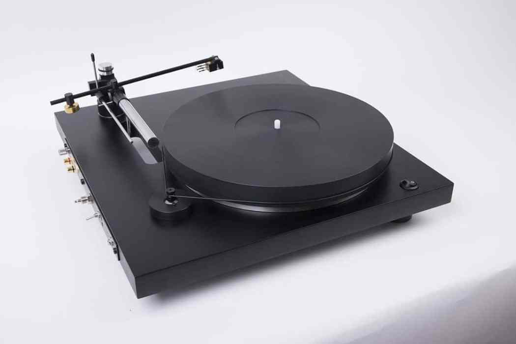 HOLBO AIR BEARING TURNTABLE ON YOUTUBE