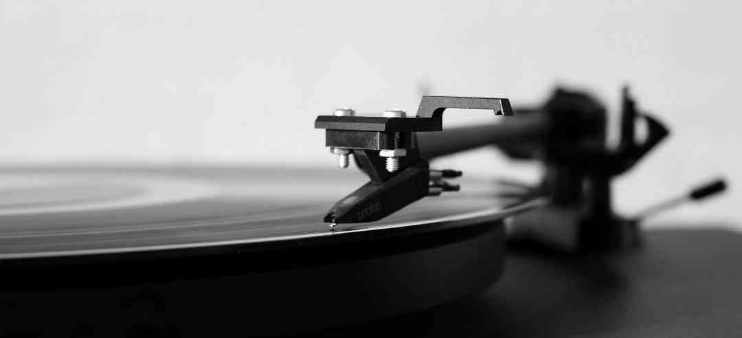 BEGINNERS QUESTIONS ON TURNTABLES