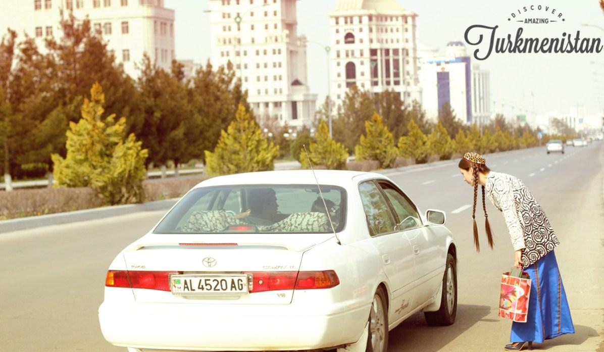 Turkmenistan voiture blanche 03