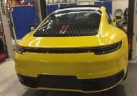 Porsche 911 (type 992) 2019 : Surprise au repos dans un atelier