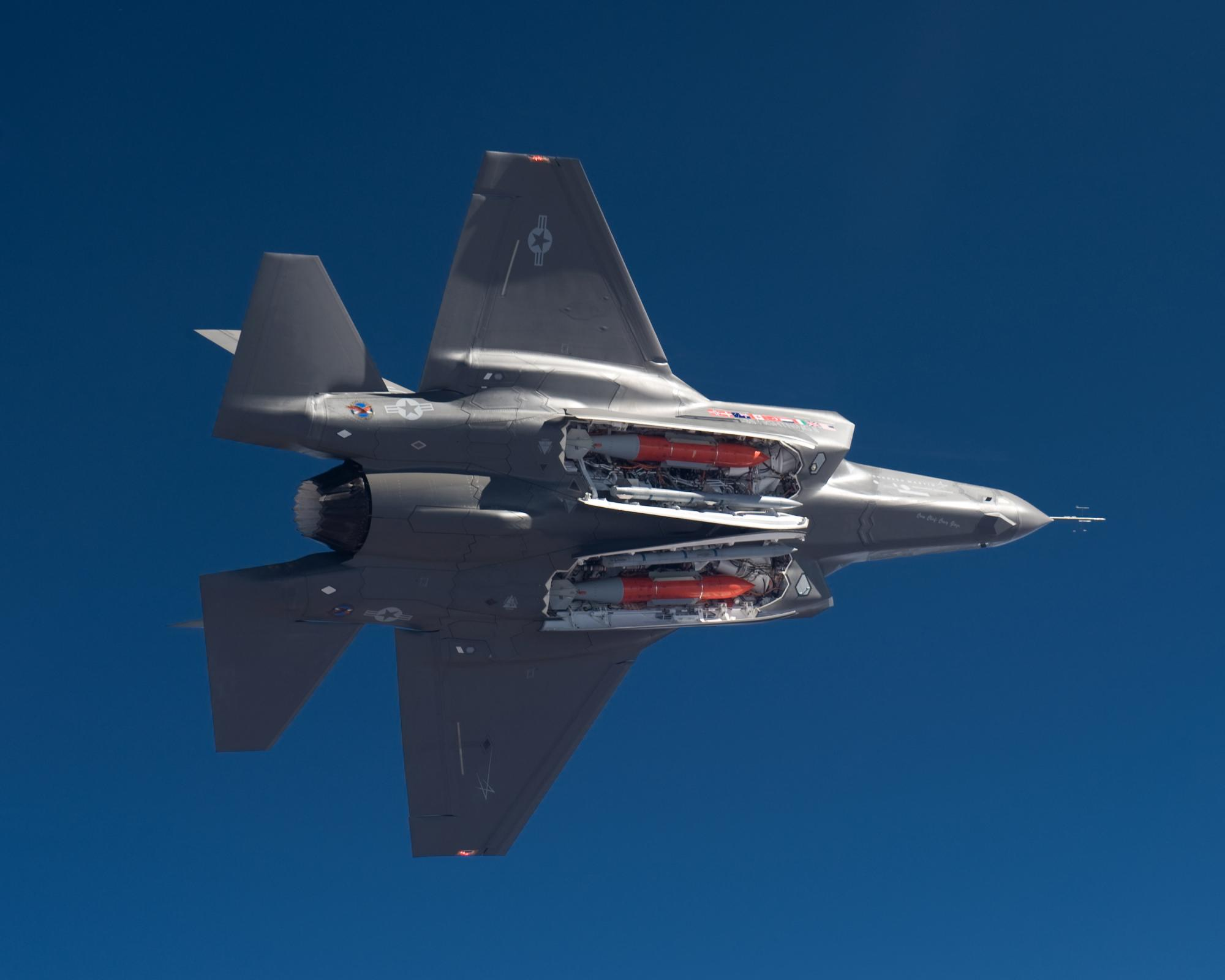 The Aviationist » Never seen before F-35's centerline gun pod unveiled