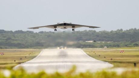 B-2s arrive at Andersen