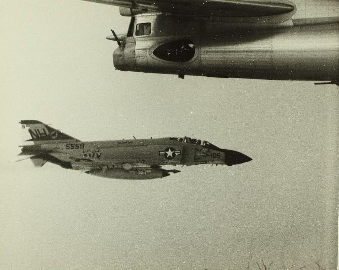 F-4 Tu-95 5