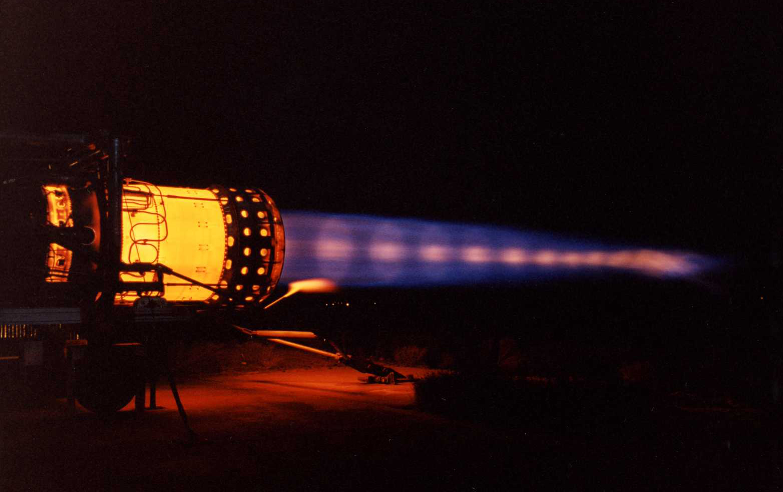 hight resolution of last sr 71 blackbird engine test in full afterburner at edwards air force base the aviationist