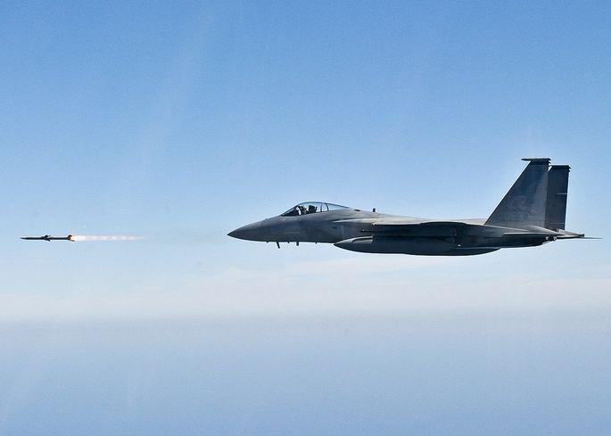 F-15 vs Mig-23