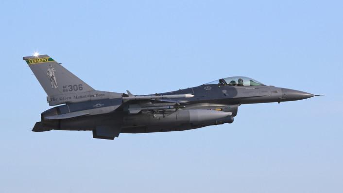 F-16 VT takeoff