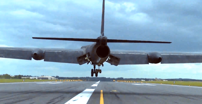 Chase car footage shows why the U-2 Dragon Lady is one of the most technically difficult planes to land