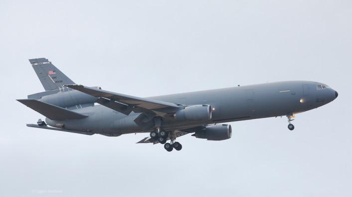 F-15 Iceland land KC-10