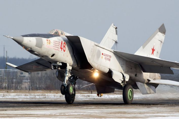 MiG-25 front left
