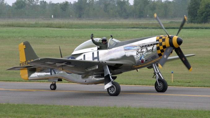 Popular U S  Airshow Pilot Vlado Lenoch Killed in P-51 Crash