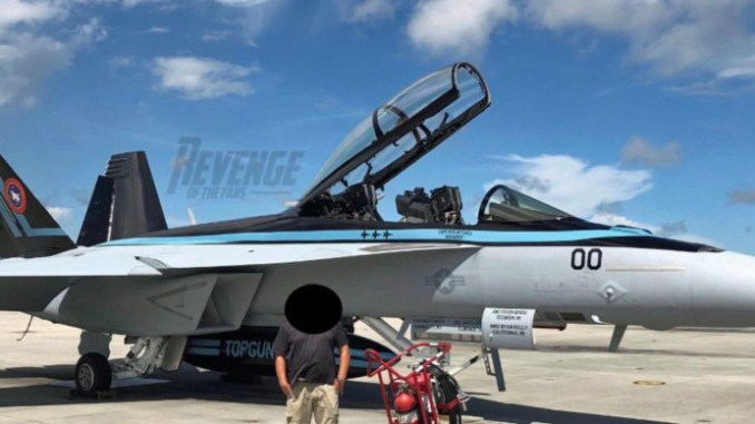 """Is This """"Maverick's"""" New F/A-18F Super Hornet for Filming"""