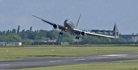 Sacrebleu! New KC-46 Pegasus Tanker Makes Wild Landing at Le Bourget