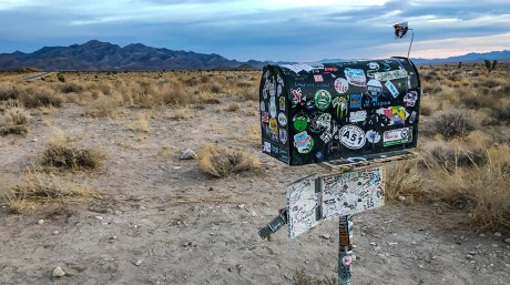 """We Look Inside Area 51's """"Black Mailbox"""", Eat Pie at the Lil' Ali' Inn and Avoid the Alien Probe."""