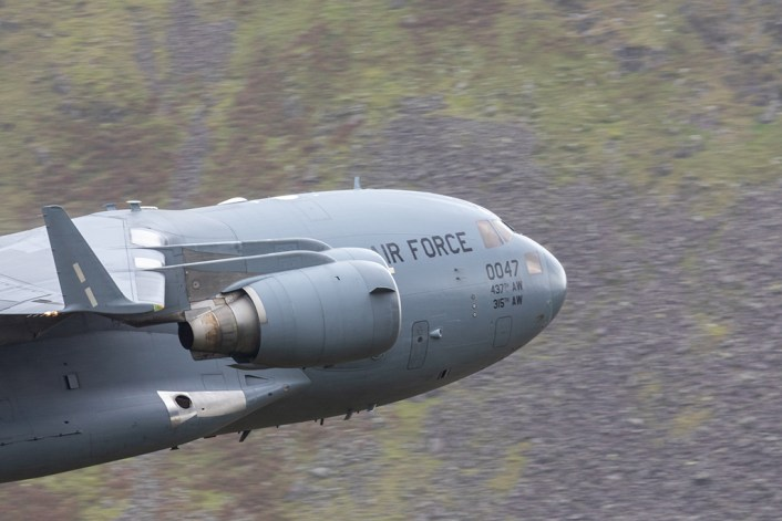 C 17 LFA17 3 - Check Out These Amazing Photos Of A U.S. C-17 Globemaster III Flying Low Level Through The Lake District LFA In UK