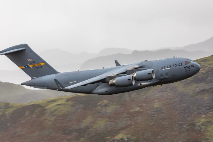 C 17 LFA17 4 - Check Out These Amazing Photos Of A U.S. C-17 Globemaster III Flying Low Level Through The Lake District LFA In UK