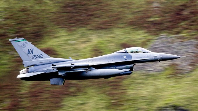 F 16 AV LFA17 top - 31st FW F-16s Deployed To RAF Lakenheath Have Started Zipping Low Level Through The Lake District
