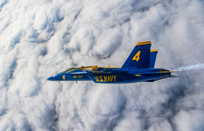 Blue Angels SH - Check Out These Photos Of The Blue Angels Flying The Diamond Formation With The Super Hornets For The First Time