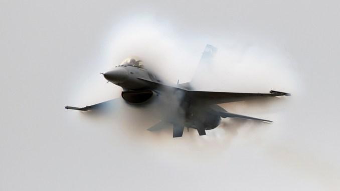 F-16 sonic boom