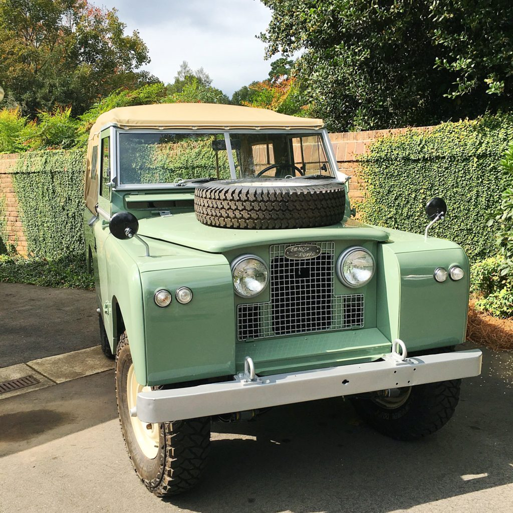 I had to take a pick of this Land Rover.