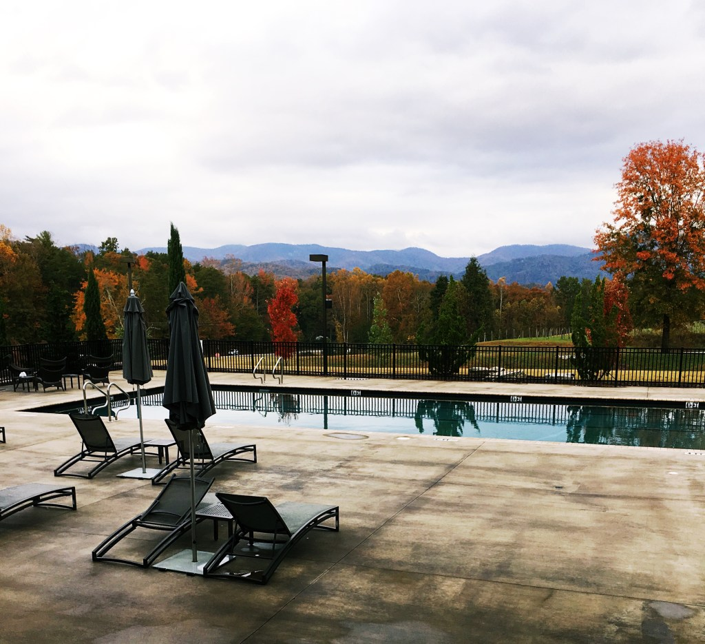Autumn Hotel Domestique
