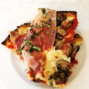 Mandolino's Artisan Pizza