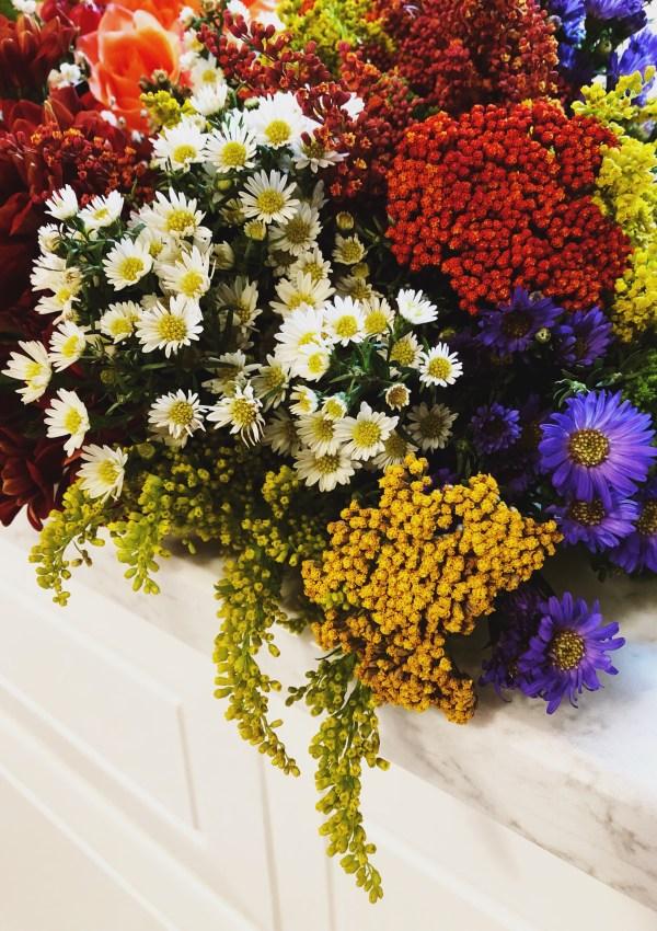 A Simple Floral Arrangment for Autumn