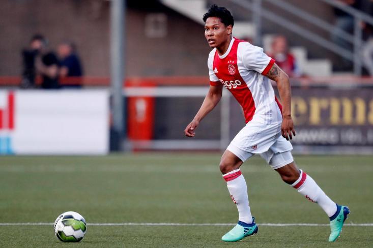 Dutch midfielder Darren Sidoel signs with SC East Bengal
