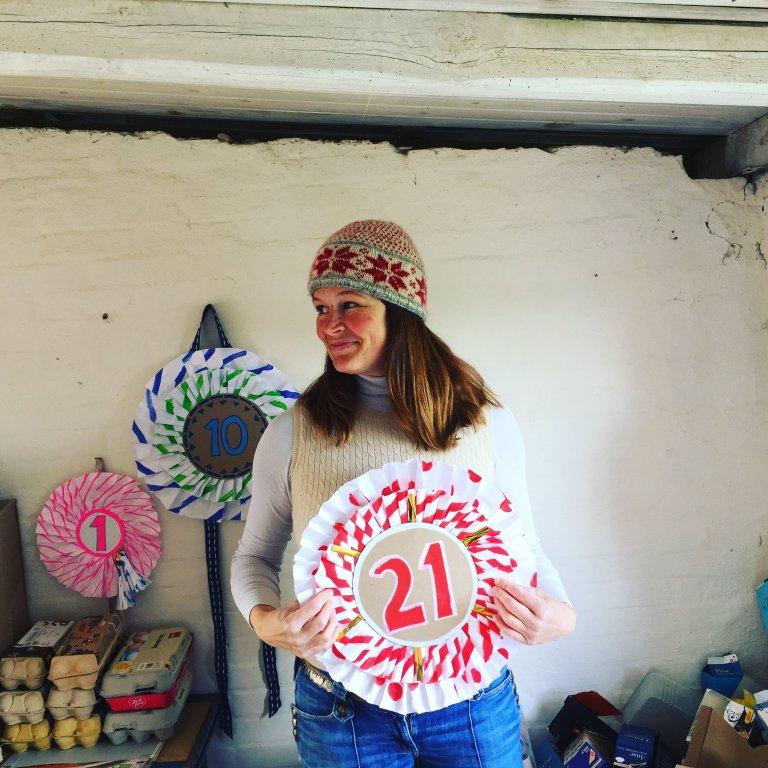 Diy Giant Birthday Rosettes! – Sustainable & Easy birthday decorations