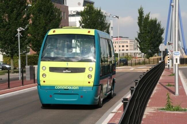 Futuristic Driverless Pods Will Run On Singapore's Roads 9