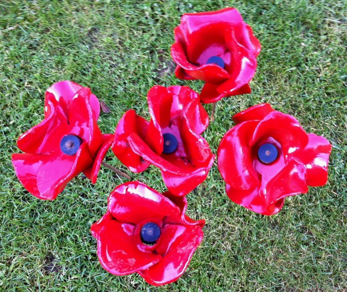 5 ceramic poppies