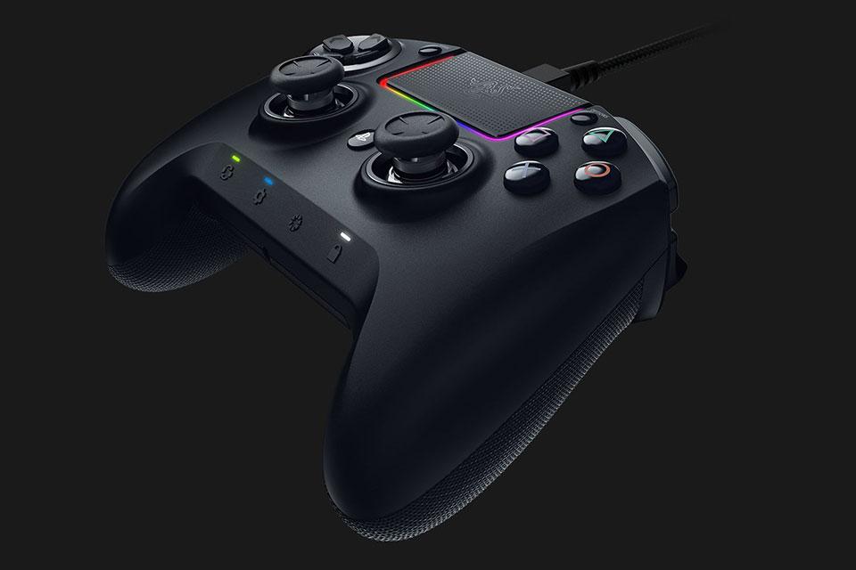 The Razer Raiju Ultimate PS4 Controller Has RGB Lights