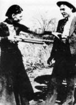 Bonnie Parker Clyde Barrow monsters on the loose, Axemen heroes
