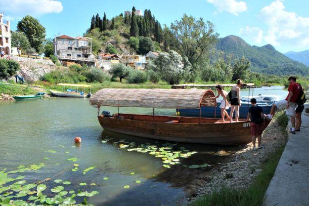 skodar-boat