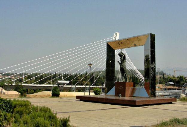 visotskii-monument