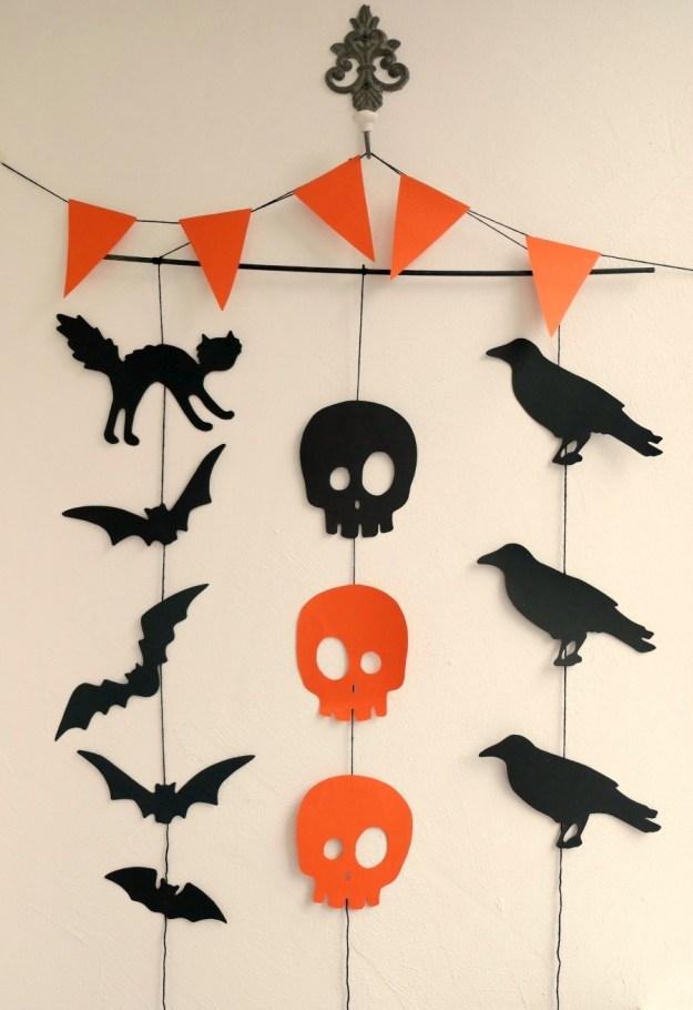 halloween-garland-ready-vertical1