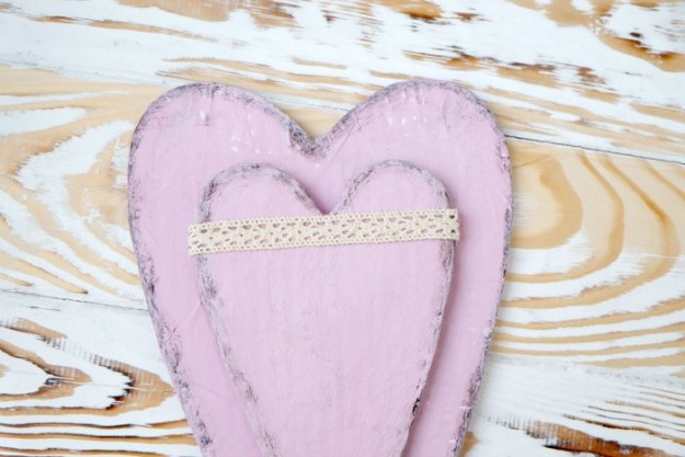 cardboard-heart-ribbon