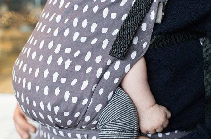 The 6 Best Baby Carriers For Petite Moms