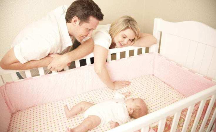 Top 5 Best Cribs For Short Moms