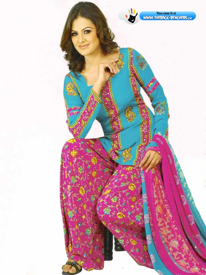 Punjabi Salwar Suit Hd Wallpaper Wallpapergood Co