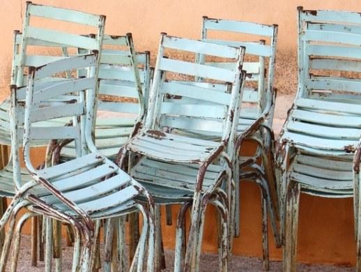metal outdoor patio furniture rusted away