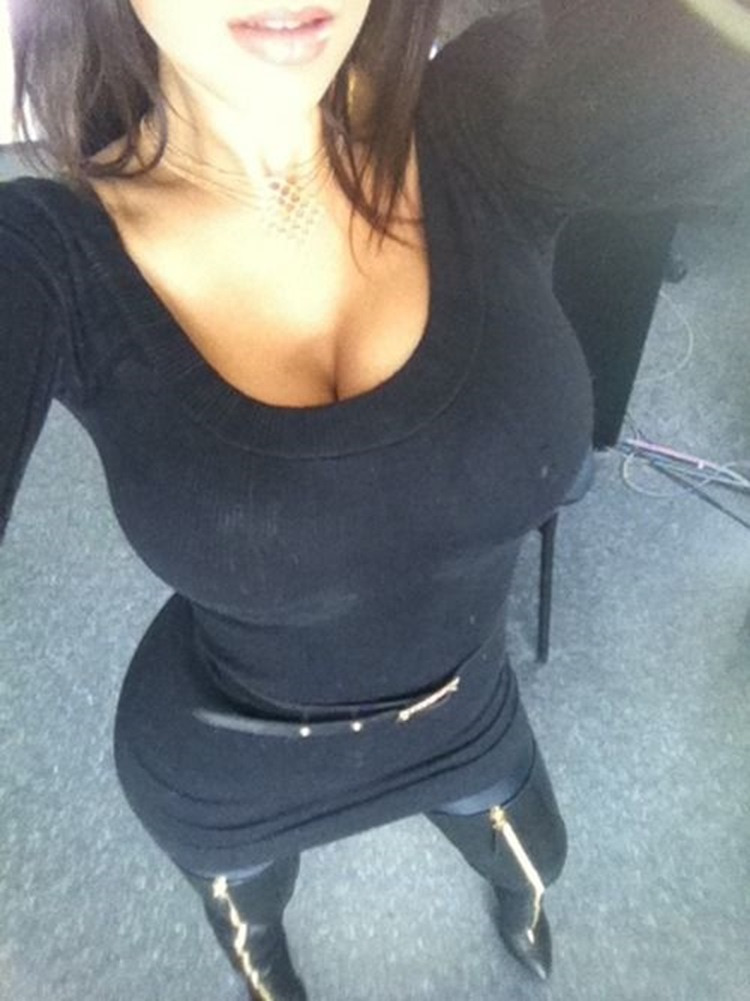 Be Ready For Some Little Cleavage 39 Photos - Badchix Magazine