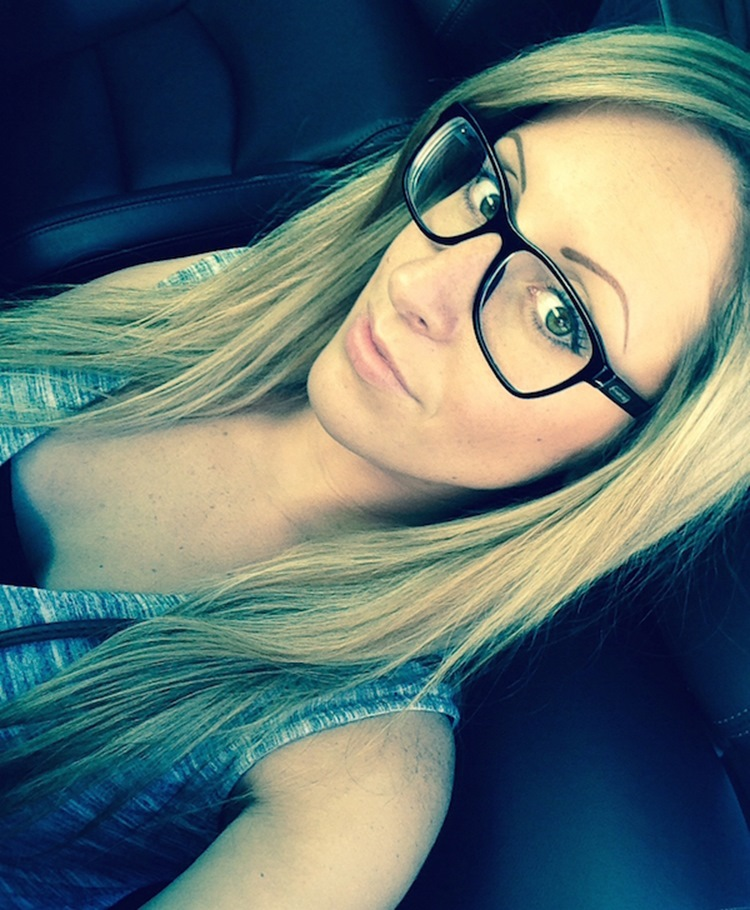 Badchix Everyone loves cute girls with glasses 6