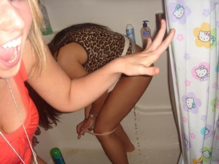 Drunk College Girls in the Wild 36