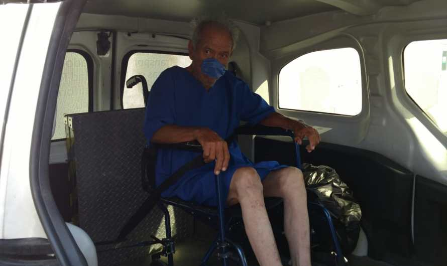 Elderly man abandoned by his family outside DIF Mexicali, survived COVID19 and now is in a retirement home