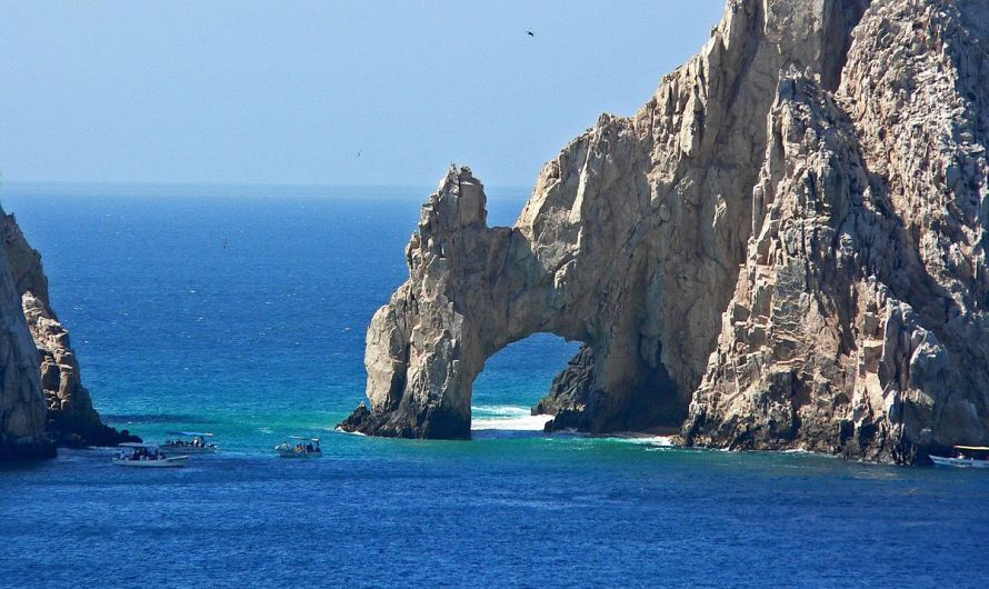 "Tourism, Mexico´s ""industry without chimneys"" is resurfacing, Cabo San Lucas visitors flow starts to grow"