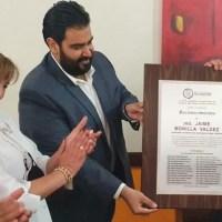 Representantes de la 23 Legislatura entregan reconocimiento al Gobernador Jaime Bonilla