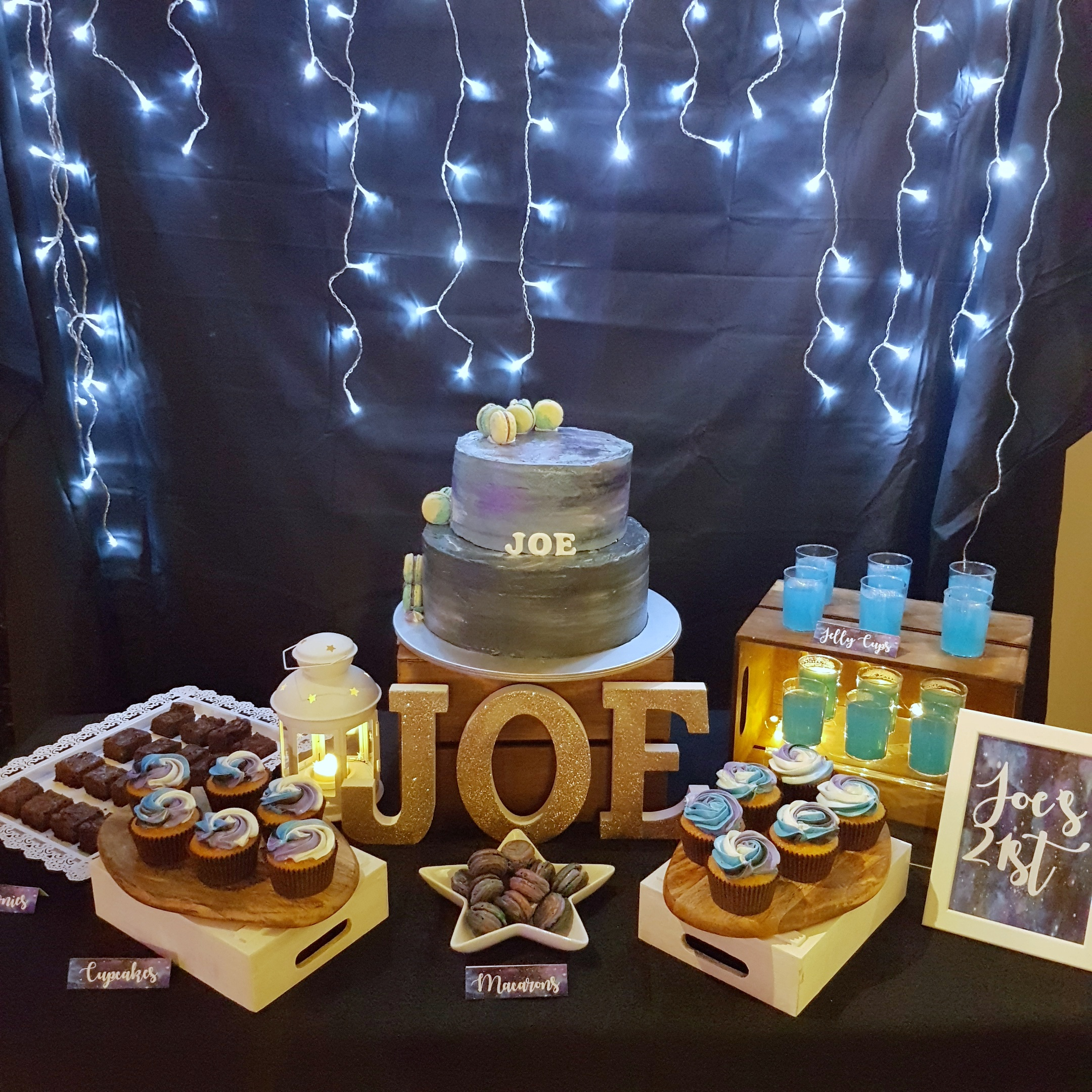 Galaxy dessert table by The Baking Experiment